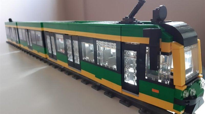tramwaj z klocków LEGO