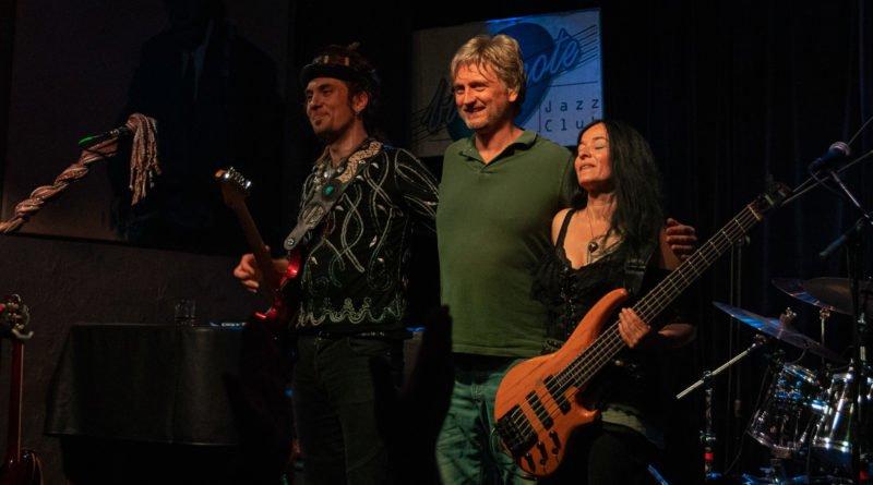 ulrich ellison tribe slawek wachala 142 800x445 - Blues z Texasu w Poznaniu - Ulrich Ellison & Tribe
