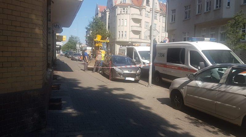 64758077 2250856504995530 6380318967843520512 n 800x445 - Poznań: na Łazarzu nie ma wody. Z powodu zaparkowanego samochodu