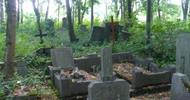 Poznań: 566 decyzji o ekshumacji