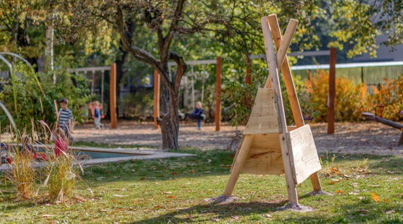 ogrod po modernizacji w przedszkolu nr 42pic11016134624234208with ratio16 9 800x445 - Poznań: plac zabaw z błota, gliny i wikliny