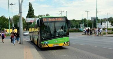 Rondo Śródka autobus T4 fot. UMP