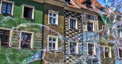 """stary rynek fot. karolina adamska 390x205 - Rada Osiedla Stare Miasto: """"Dlaczego Straż Miejska nie wystawia mandatów za nocne hałasowanie?"""""""