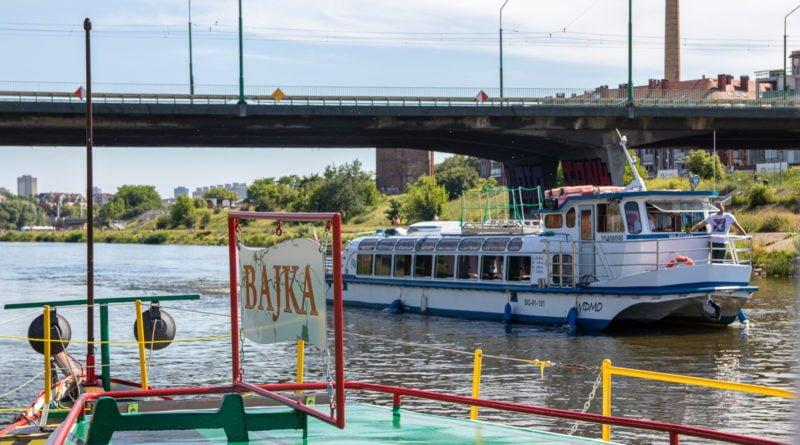statki poznan slawek wachala 3 800x445 - Biała flota w Poznaniu - statki wycieczkowe Bajka i Widmo