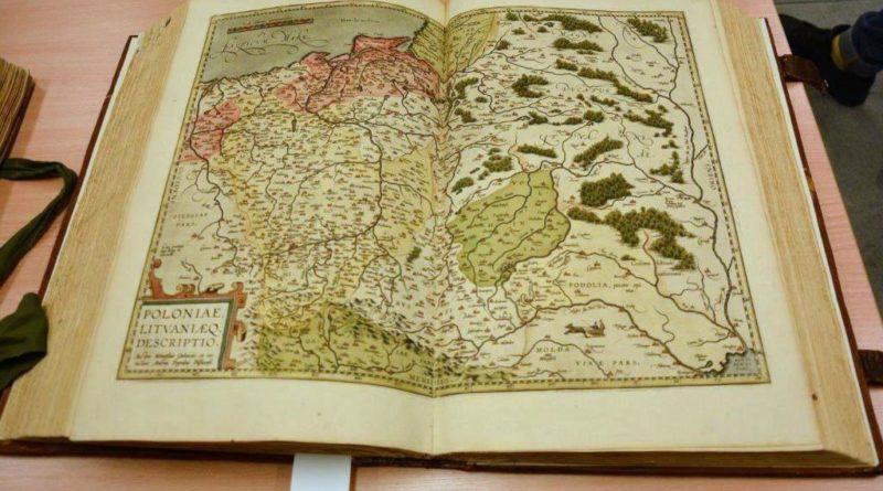 biblioteka r ump 1 800x445 - Poznań: Bezcenne dzieła wróciły do Biblioteki Raczyńskich. Po konserwacji