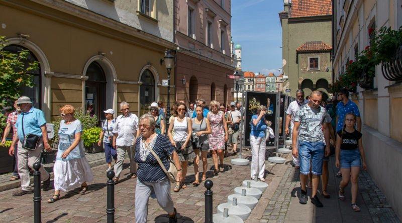 miasto miodem plynace kulturalny stary rynek s. wachala 34 800x445 - Poznań: Wracamy do gry!