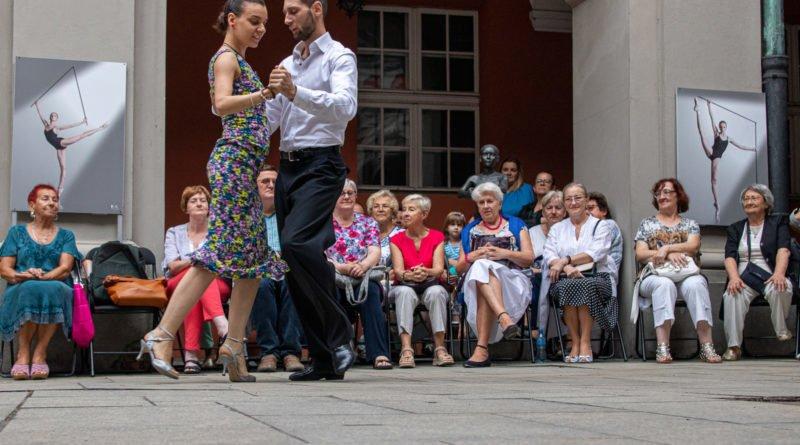 milonga kulturalny stary rynek na golebiej s. wachala 22 800x445 - Milonga pod gwiazdami - w ramach Kulturalnego Starego Rynku