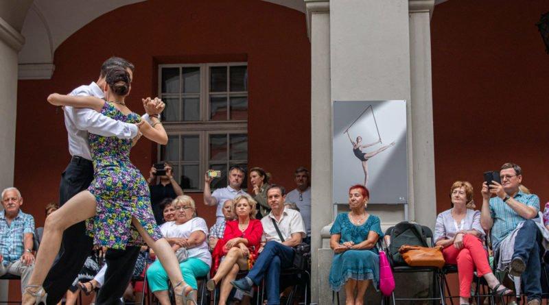 milonga kulturalny stary rynek na golebiej s. wachala 25 800x445 - Milonga pod gwiazdami - w ramach Kulturalnego Starego Rynku