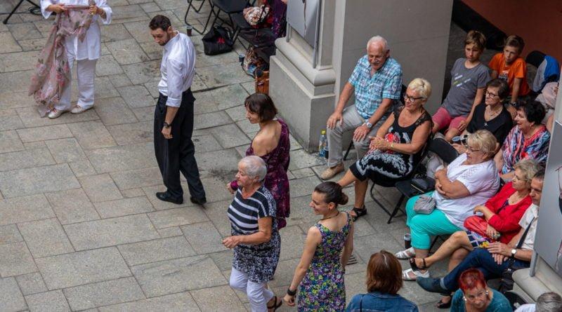 milonga kulturalny stary rynek na golebiej s. wachala 43 800x445 - Milonga pod gwiazdami - w ramach Kulturalnego Starego Rynku