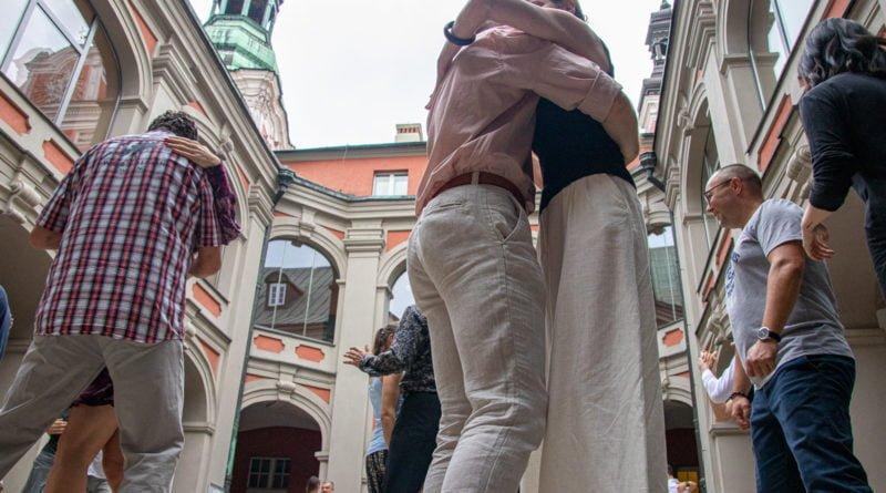 milonga kulturalny stary rynek na golebiej s. wachala 54 800x445 - Milonga pod gwiazdami - w ramach Kulturalnego Starego Rynku