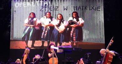 operetta s. wachala 6 390x205 - Operetta! Żyjesz w Matrixie / Koncert finałowy Festiwalu Malta