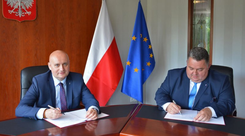 Pniewy umowa fot. mat. pras.
