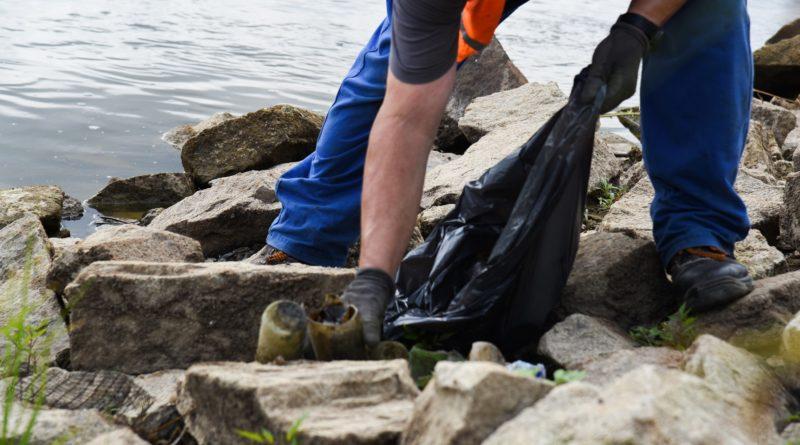 sprzątanie śmieci Warta fot. UMP (5)