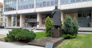 urzad wojewodzki 1 390x205 - Poznań: Wnioski o pomoc dla kombatantów po odwołaniu stanu epidemii