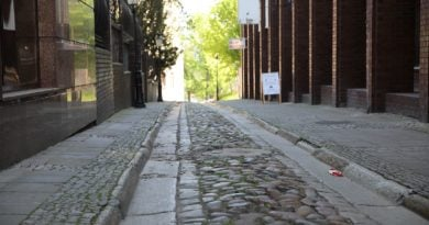 wysoka fot. tomasz dworek 390x205 - Rada Osiedla Stare Miasto apeluje o ochronę historycznych nawierzchni!