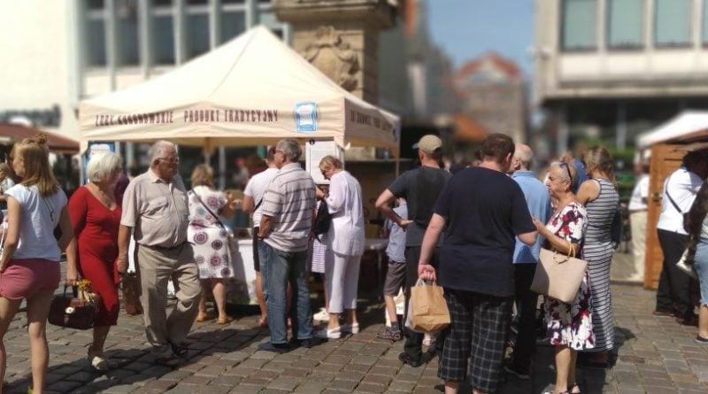 festiwal smaku 10 800x445 - Poznań: Langosz, rachatłukum i przysmaki sułtana. Zaczęło się święto dobrego smaku