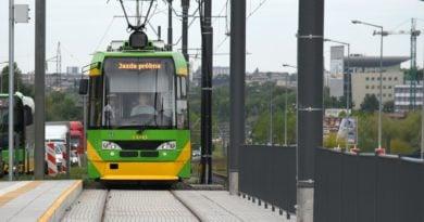 gtr pierwszy przejazd tramwaj 390x205 - Poznań: Testowe przejazdy tramwajów przez Górny Taras Rataj