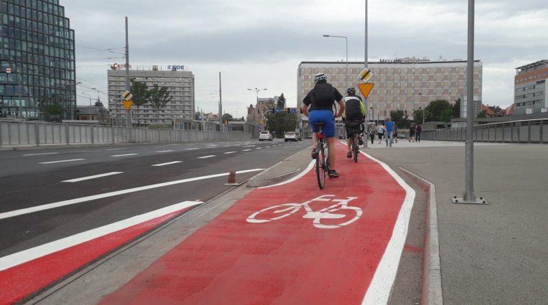 kaponiera rower fot. ump 800x445 - Warszawa buduje naziemne przejścia dla pieszych. A Poznań?