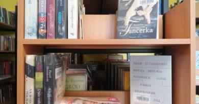 miejska biblioteka publiczna w koninie 390x205 - Konin: Książki za dwa złote. Na kiermaszu