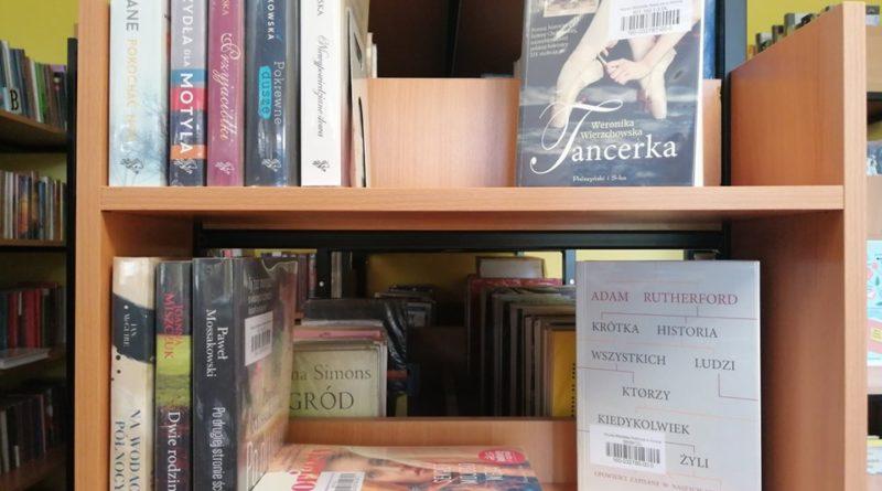 miejska biblioteka publiczna w koninie 800x445 - Konin: Książki za dwa złote. Na kiermaszu