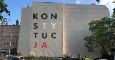 mural Konstytucja koncepcja fot. FB Piotr Kunowski