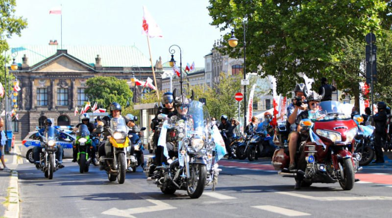 parada motocyklowa 2 fot.s. wachala 800x445 - Poznań: XII Parada Motocyklowa Solidarności przejechała przez miasto