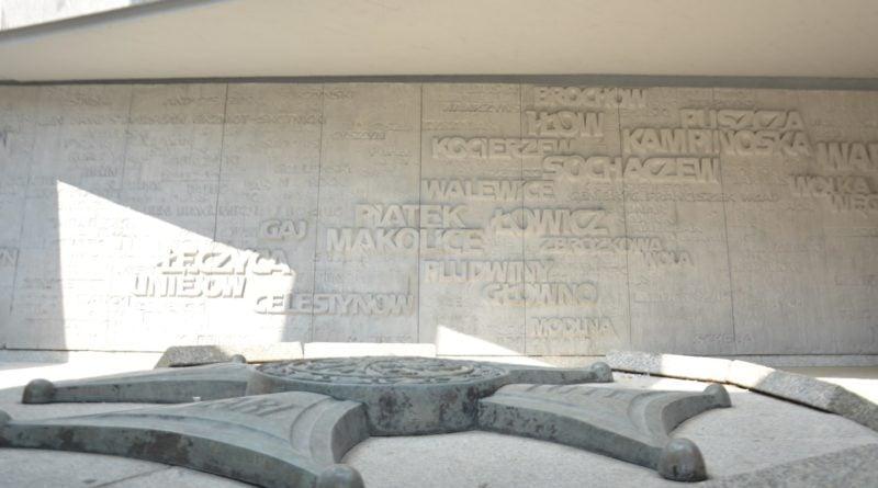 pomnik armii poznan fot. ump 14 800x445 - Poznań: Pomnik Armii Poznań odzyska blask? Trwa gruntowne czyszczenie