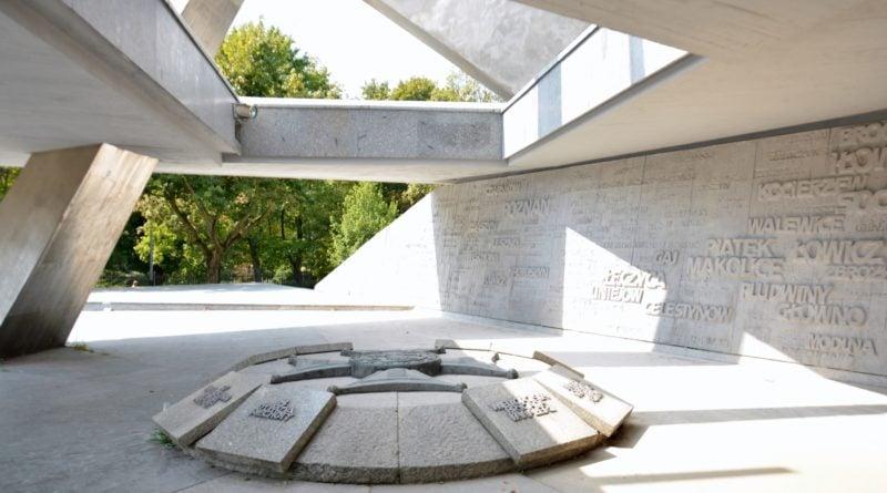 pomnik armii poznan fot. ump 2 800x445 - Poznań: Pomnik Armii Poznań odzyska blask? Trwa gruntowne czyszczenie