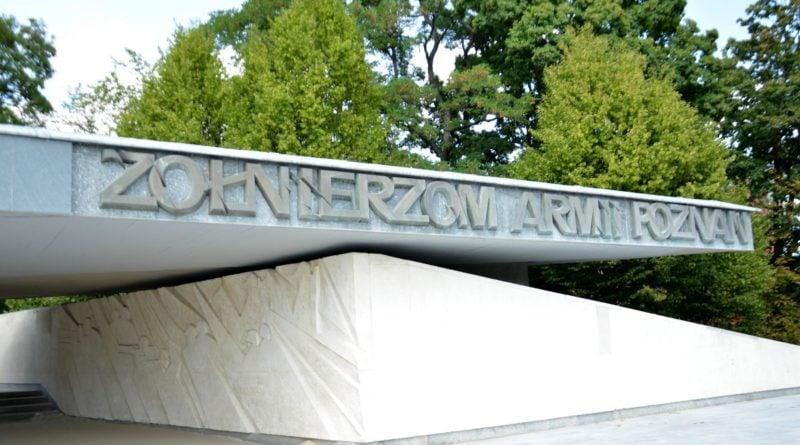 pomnik armii poznan fot. ump 6 800x445 - Poznań: Pomnik Armii Poznań odzyska blask? Trwa gruntowne czyszczenie