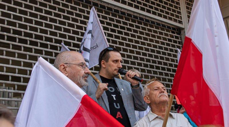 protest kod ziobro do dymisji fot. slawek wachala 16 800x445 - Poznań: Demonstracja KOD. Chcieli dymisji Ziobry!