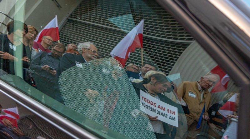 protest kod ziobro do dymisji fot. slawek wachala 18 800x445 - Poznań: Demonstracja KOD. Chcieli dymisji Ziobry!