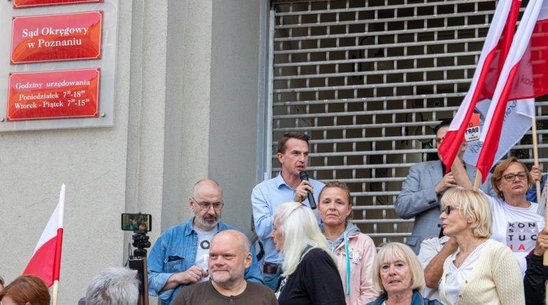protest kod ziobro do dymisji fot. slawek wachala 25 800x445 - Poznań: Demonstracja KOD. Chcieli dymisji Ziobry!