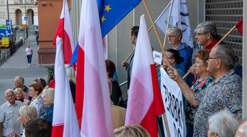 protest kod ziobro do dymisji fot. slawek wachala 3 800x445 - Poznań: Demonstracja KOD. Chcieli dymisji Ziobry!