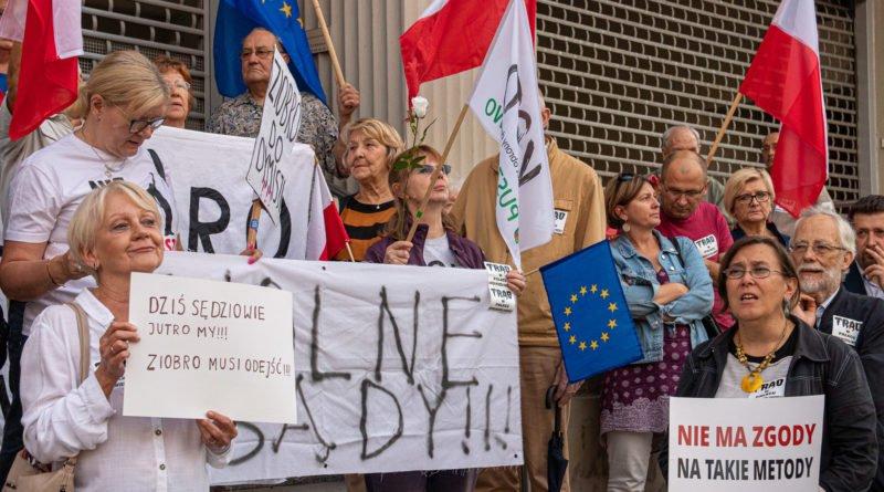 protest kod ziobro do dymisji fot. slawek wachala 30 800x445 - Poznań: Demonstracja KOD. Chcieli dymisji Ziobry!