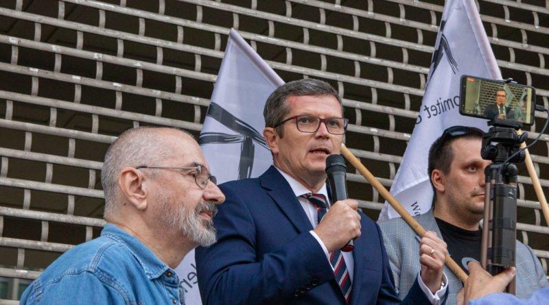protest kod ziobro do dymisji fot. slawek wachala 32 800x445 - Poznań: Demonstracja KOD. Chcieli dymisji Ziobry!