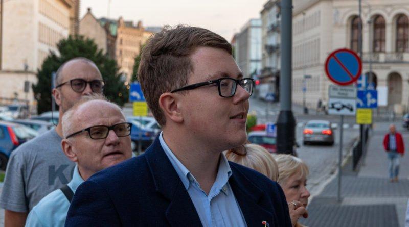 protest kod ziobro do dymisji fot. slawek wachala 34 800x445 - Poznań: Demonstracja KOD. Chcieli dymisji Ziobry!