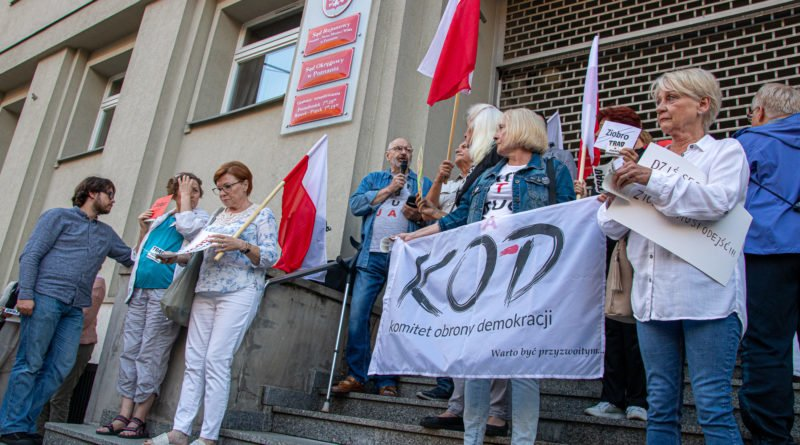 protest kod ziobro do dymisji fot. slawek wachala 4 800x445 - Poznań: Demonstracja KOD. Chcieli dymisji Ziobry!