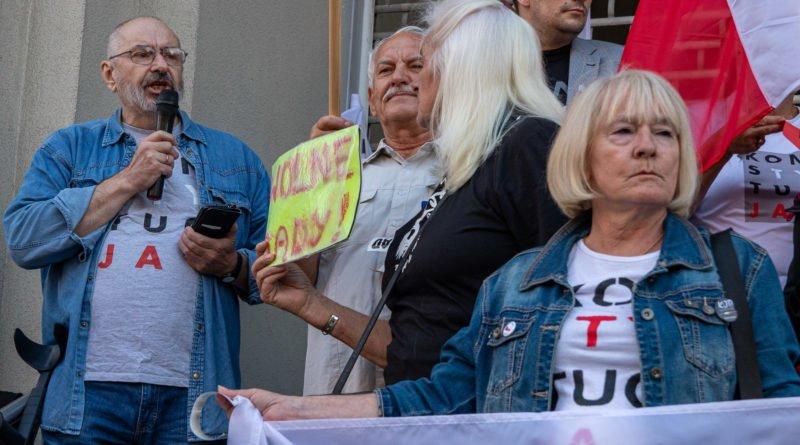 protest kod ziobro do dymisji fot. slawek wachala 5 800x445 - Poznań: Demonstracja KOD. Chcieli dymisji Ziobry!