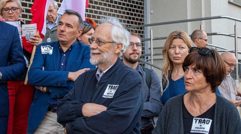 protest kod ziobro do dymisji fot. slawek wachala 7 800x445 - Poznań: Demonstracja KOD. Chcieli dymisji Ziobry!