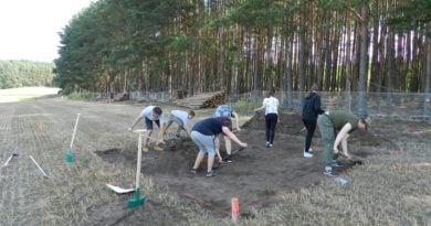 sierakow 1 390x205 - Sieraków: Sensacyjne odkrycie w Kobylarni