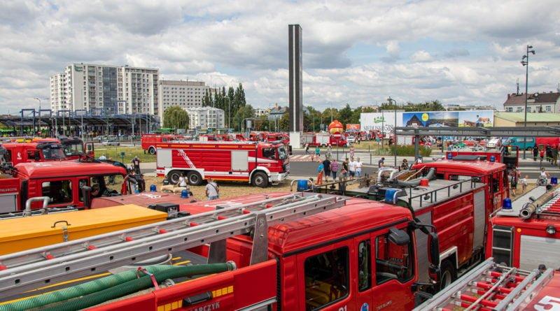 straz pozarna s. wachala 11 800x445 - II Ogólnopolski Zlot Czerwonych Samochodów w Poznaniu (zdjęcia)