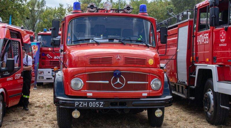 straz pozarna s. wachala 18 800x445 - II Ogólnopolski Zlot Czerwonych Samochodów w Poznaniu (zdjęcia)
