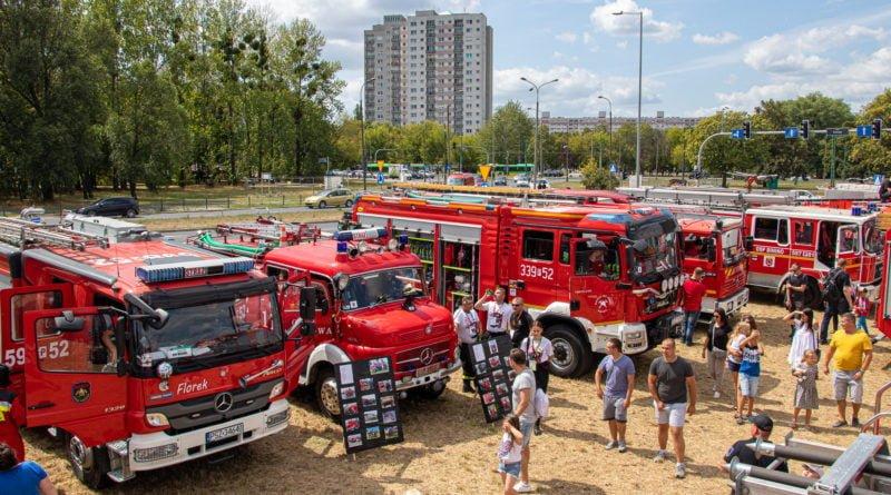straz pozarna s. wachala 8 800x445 - II Ogólnopolski Zlot Czerwonych Samochodów w Poznaniu (zdjęcia)