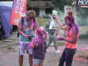swieto kolorow fot. wojtek lesiewicz 1 300x225 - Festiwal kolorów w Poznaniu! Zobacz jak bawili się uczestnicy!