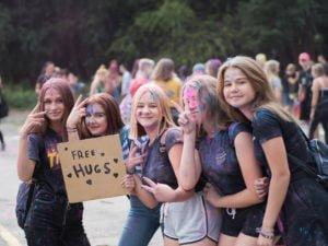 swieto kolorow fot. wojtek lesiewicz 19 300x225 - Festiwal kolorów w Poznaniu! Zobacz jak bawili się uczestnicy!
