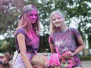 swieto kolorow fot. wojtek lesiewicz 23 300x225 - Festiwal kolorów w Poznaniu! Zobacz jak bawili się uczestnicy!