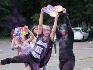 swieto kolorow fot. wojtek lesiewicz 3 300x225 - Festiwal kolorów w Poznaniu! Zobacz jak bawili się uczestnicy!