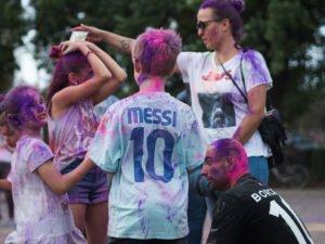 swieto kolorow fot. wojtek lesiewicz 6 300x225 - Festiwal kolorów w Poznaniu! Zobacz jak bawili się uczestnicy!