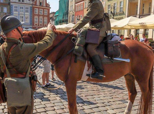 ulani zmiana warty6 fot.s.wachala 600x445 - Poznań: Uroczysta odprawa warty okazji 80 rocznicy wybuchu II wojny światowej