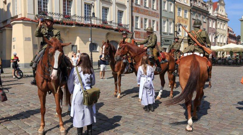 ulani zmiana warty8 fot.s.wachala 800x445 - Poznań: Uroczysta odprawa warty okazji 80 rocznicy wybuchu II wojny światowej